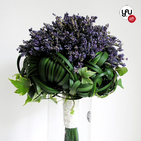 yau flori+yau evenimente_french mood buchet de mireasa din lavanda proaspata