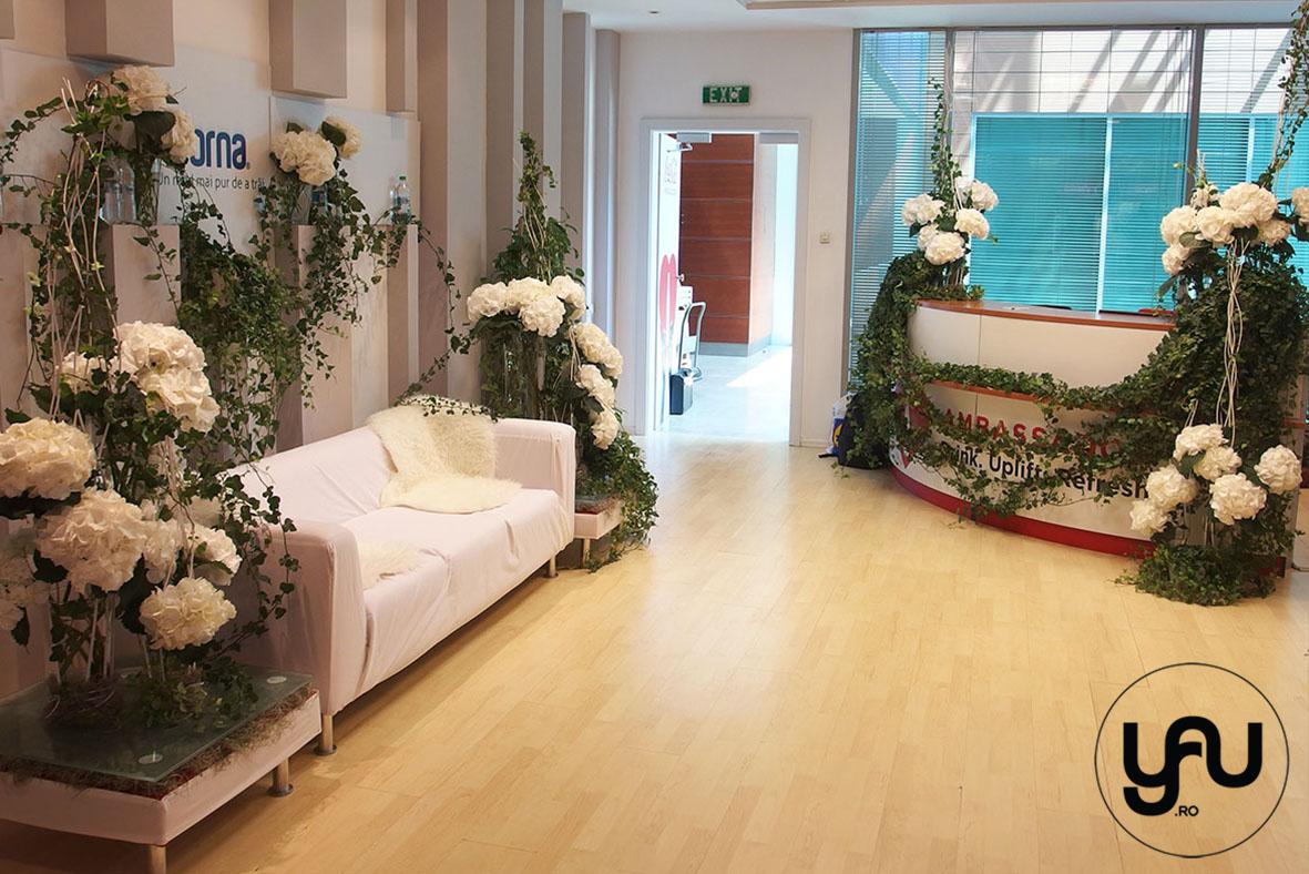 yau events 2015_cranjul cu flori albe de la birou - pentru DORNA ROMANIA _ orhidee_hortensii (6)