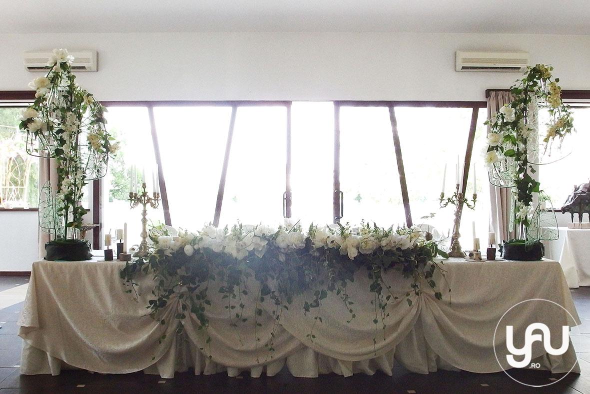 codrul-cu-flori-albe-bujori-mathiola-orhidee-_-yau-evenimente-2016-_-nunta-la-zexe-_-elenatoader-11