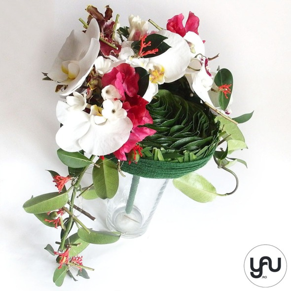 codrul-cu-flori-albe-bujori-mathiola-orhidee-_-yau-evenimente-2016-_-nunta-la-zexe-_-elenatoader-24