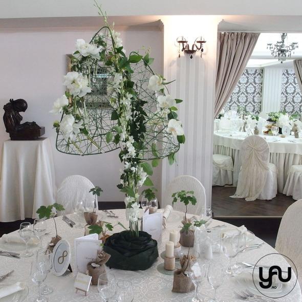 codrul-cu-flori-albe-bujori-mathiola-orhidee-_-yau-evenimente-2016-_-nunta-la-zexe-_-elenatoader-36