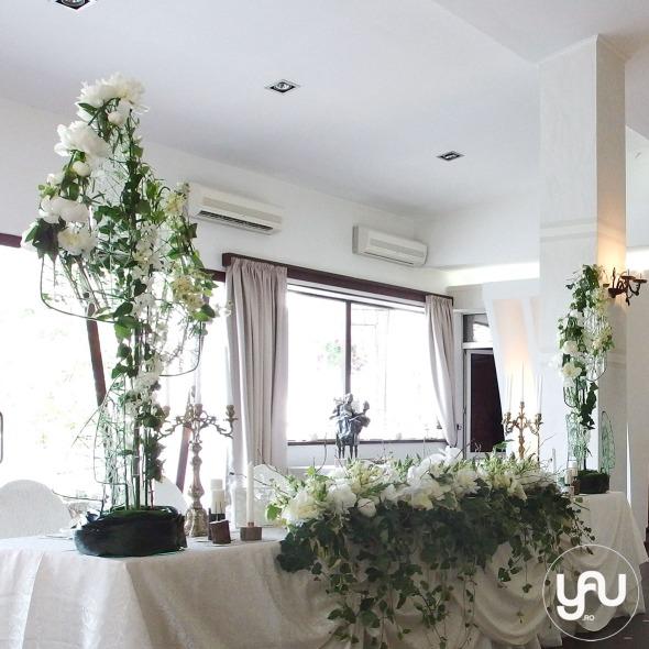 codrul-cu-flori-albe-bujori-mathiola-orhidee-_-yau-evenimente-2016-_-nunta-la-zexe-_-elenatoader-37