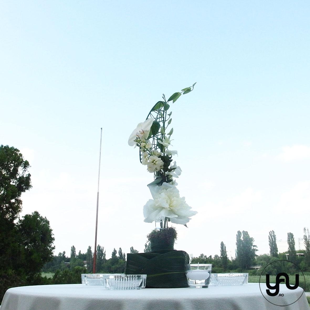 codrul-cu-flori-albe-bujori-mathiola-orhidee-_-yau-evenimente-2016-_-nunta-la-zexe-_-elenatoader-39