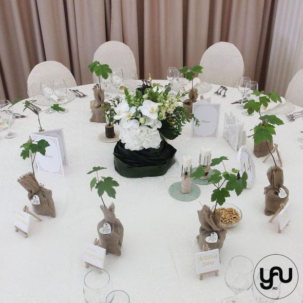 codrul-cu-flori-albe-bujori-mathiola-orhidee-_-yau-evenimente-2016-_-nunta-la-zexe-_-elenatoader-45