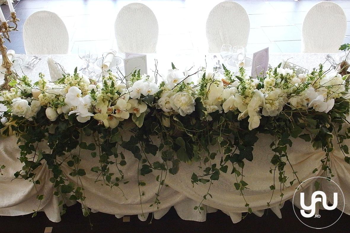 codrul-cu-flori-albe-bujori-mathiola-orhidee-_-yau-evenimente-2016-_-nunta-la-zexe-_-elenatoader-8