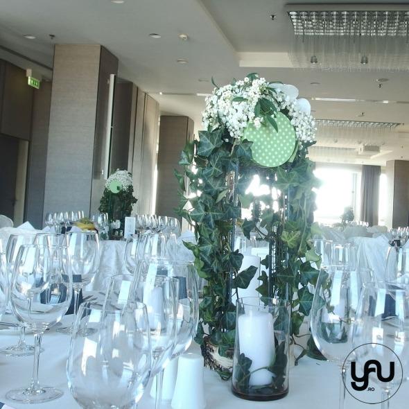 nunta-si-botez-cu-flori-albe-linie-punct-_-yau-events-2016-_-hotel-intercontinental-_-elenatoader-26