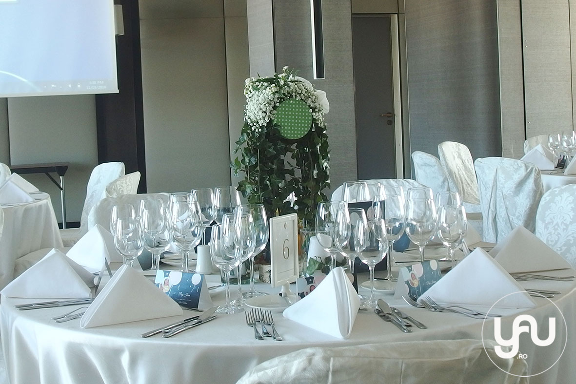 nunta-si-botez-cu-flori-albe-linie-punct-_-yau-events-2016-_-hotel-intercontinental-_-elenatoader-33